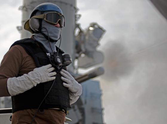 9월 25일 서해에서 작전 중인 스트래턴함 갑판 위에서 선 미 해안경비대원. [사진 미 해안경비대]