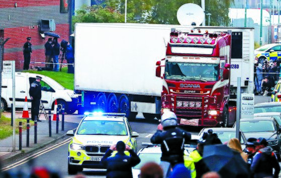 영국 트럭서 중국인 시신 39구 발견