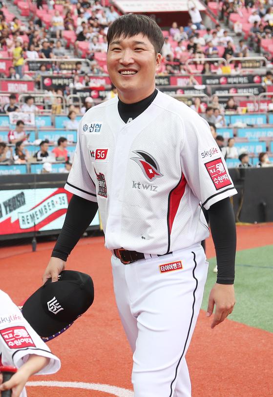 이진영 코치는 1999년 쌍방울에서 프로 생활을 시작해 SK 와이번스와 LG를 거쳐, 2016년 KT로 이적해 지난해까지 선수로 뛰고 은퇴했다. [연합뉴스]