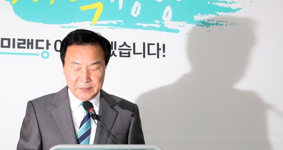 손학규 바른미래당 대표가 지난 9월 20일 오전 국회에서 당의 진로와 내년 총선에 대한 기자회견을 하고 있다. 김경록 기자