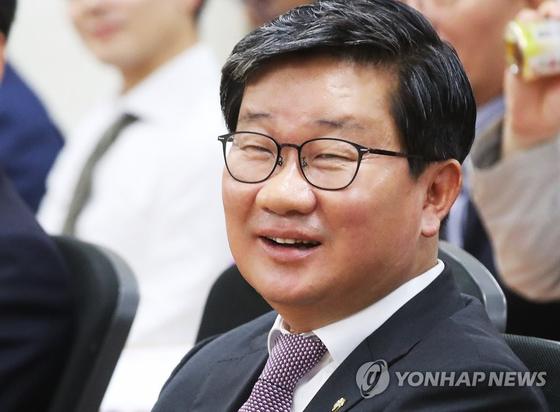 지난 23일 경기도의회에서 열린 민주당 특강에 참석한 전해철 의원