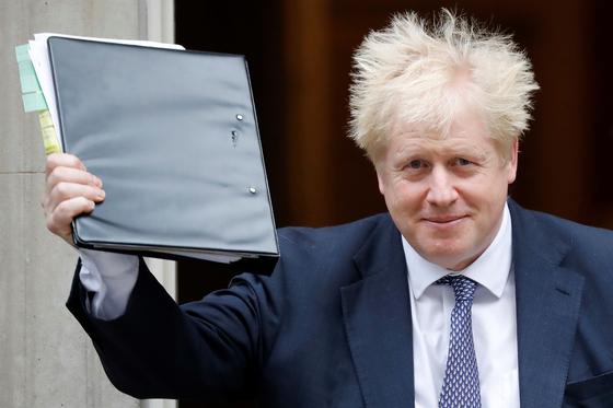 유럽연합이 영국 요청대로 브렉시트 시한을 내년 1월 31일까지 연장하기로 했다. 보리스 존슨 영국 총리는 조기 총선안을 추진할 예정이다. [AFP=연합뉴스]