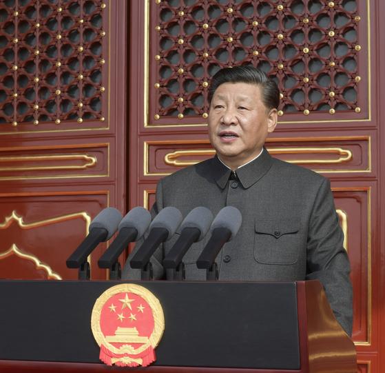 지난 1일 시진핑 중국 국가주석이 천안문 성루에서 중화인민공화국 성립 70주년 기념 연설을 하고 있다. [신화=연합]