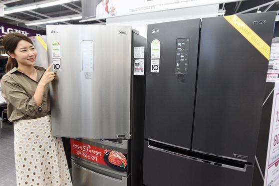 홈플러스는 지난 9월 17~25일 에너지효율 1등급 '으뜸효율' 가전제품을 구매하는 고객을 대상으로 10% 할인행사를 진행했다. [뉴시스]