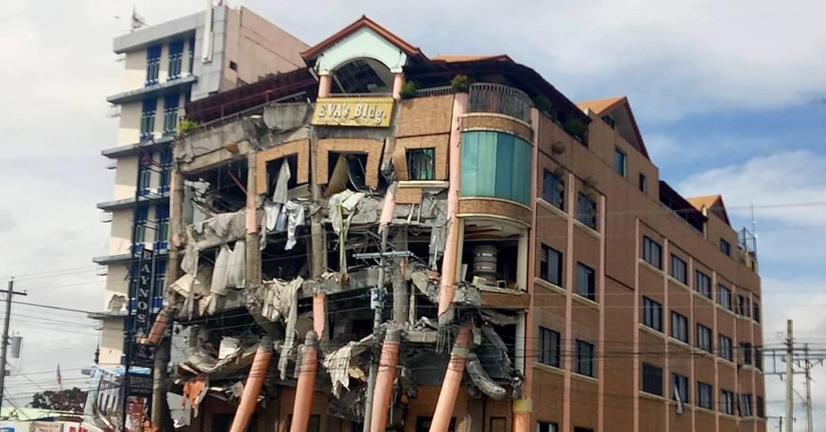 31일 규모 6.5 지진이 강타한 필리핀 남부 민다나오섬 북코타바토 주 키다파완의 한 호텔이 심하게 부서진 모습. [AP=연합뉴스]