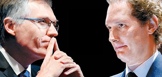 카를로스 타바레스 CEO(左), 존 엘칸 회장(右)