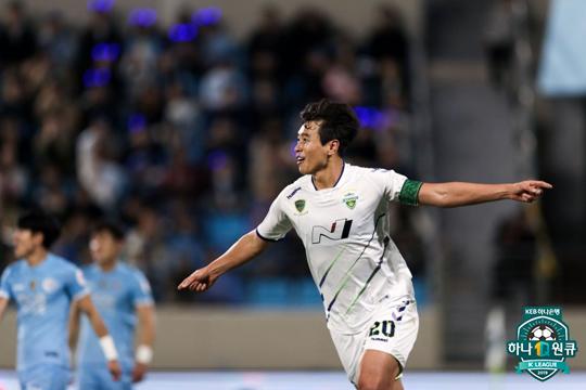 이동국이 대구를 상대로 시즌 9호 골을 기록했다. [사진 프로축구연맹]