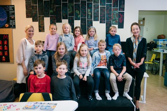 류선정 한국-핀란드교육센터장(오른쪽)은 핀란드에서 현지 수업을 참관하며 현지 교육을 집중 연구하고 있다.[류선정 제공]