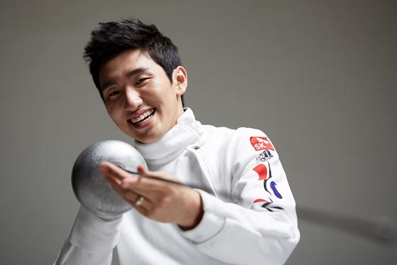 """2016 리우올림픽 남자 펜싱(에페) 금메달리스트 박상영(24) 선수. 그는 """"어려운 가정 형편이었지만 초록우산어린이재단의 지원 덕분에 운동에 집중할 수 있었다""""고 말했다. [사진 초록우산어린이재단]"""
