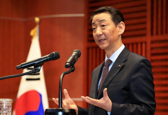 권용원 금융투자협회 회장이 6일 서울 서초구 반포동 자택에서 숨진 채 발견됐다. [중앙포토]