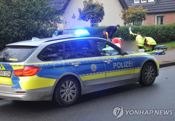 총격사건 현장에 출동한 경찰. [AFP=연합뉴스]