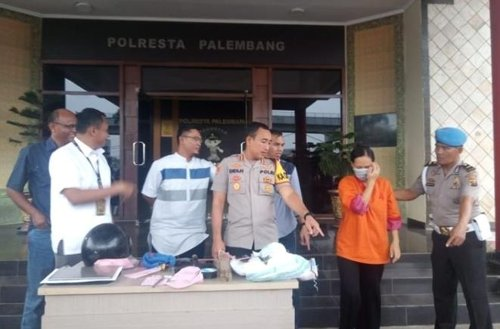 한 인도네시아 여성이 갓 태어난 아기를 부끄럽다는 이유로 세탁기 속에 넣어 영아살애 혐의를 받게 됐다. [콤파스=연합뉴스]