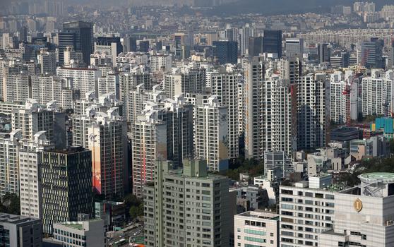지난 10월 21일 서울 강남의 아파트 밀집지역 [뉴스1]