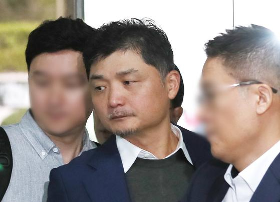 공정거래법 위반 혐의로 기소된 김범수 카카오 의장. [연합뉴스]