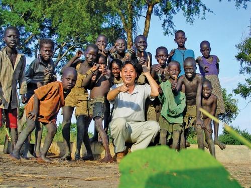 아프리카 남수단에서 헌신적인 봉사 활동을 펼쳤던 고 이태석 신부. [사진 KBS]