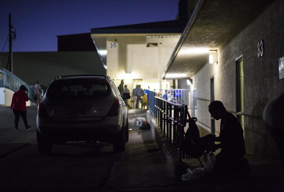 지난 10월 15일, 미 라스베이거스 노숙자 보호시설. [AP=연합]