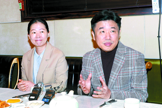 바른미래당 비당권파 '변화와 혁신을 위한 비상 행동'의 신당 추진 기획단 권은희(왼쪽)·유의동 의원이 10일 기자간담회를 하고 있다. [뉴시스]