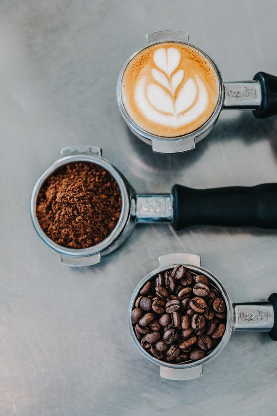 커피를 내리고 난 뒤 부산물을 처리하는 방식에 대한 논의가 활발하다. [사진 unsplash]