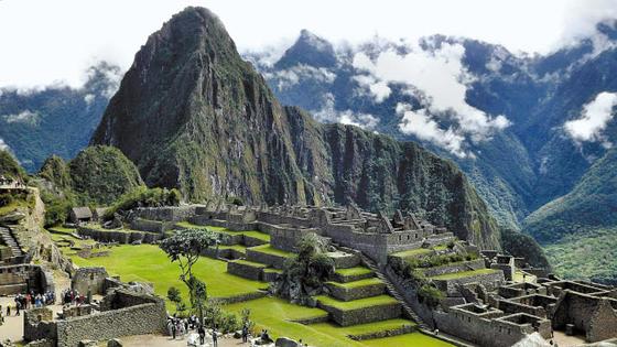 마추픽추는 열대 산악림의 뛰어난 경관을 감상할 수 있을 뿐 아니라 잉카의 건축기술을 볼 수 있는 여행지다. [사진 롯데관광]