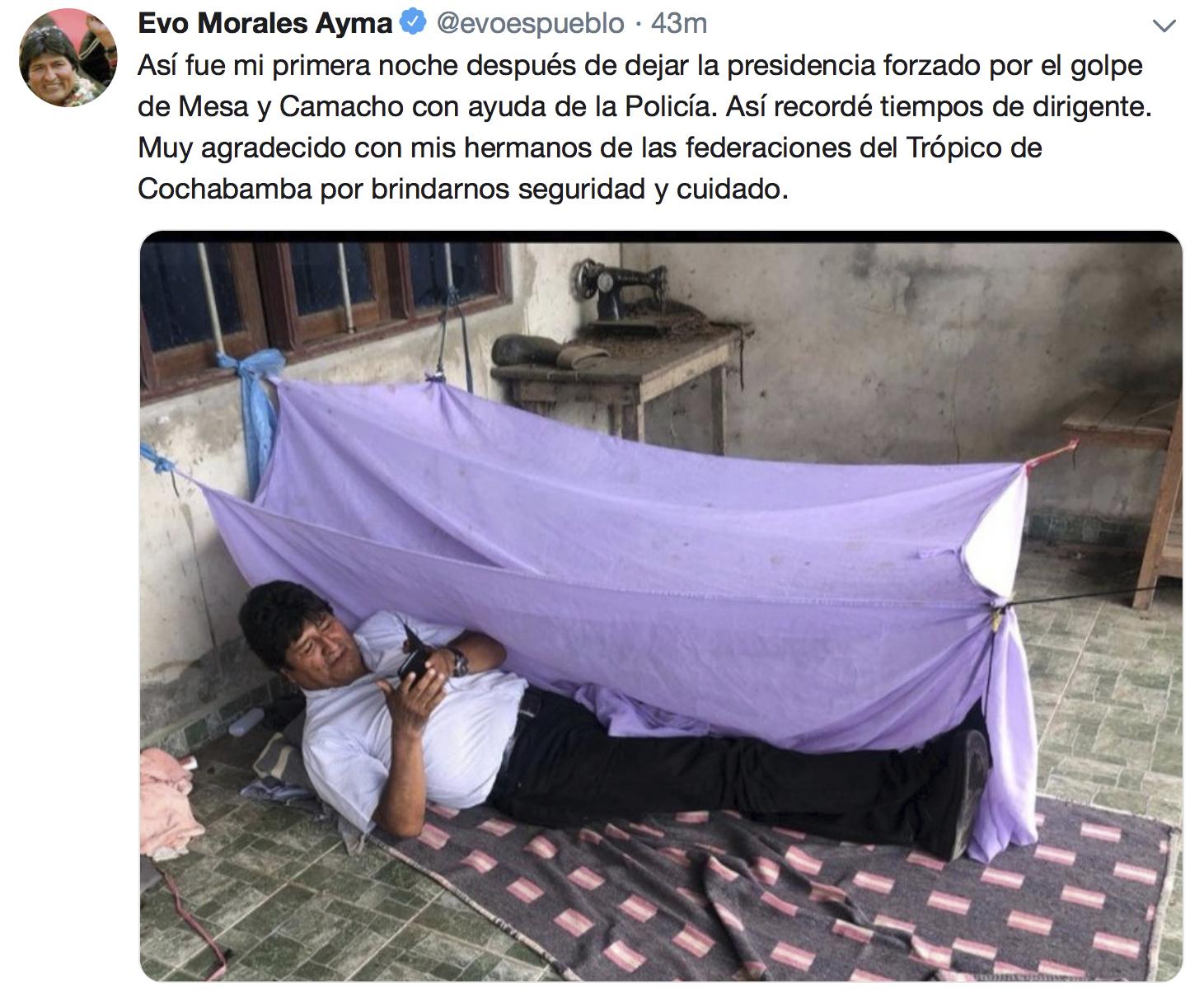 에보 모랄레스 볼리비아 전 대통령이 11일(현지시간) 퇴임 첫날밤 심경을 담은 글을 사진과 함께 자신의 트위터에 올렸다. [트위터 , AP=연합뉴스]