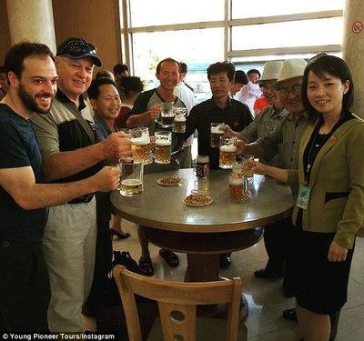 영국 여행사가 2020년 3월 17일 성 패트릭의 날을 전후해 북한 맥주집을 도는 투어 상품을 출시했다. [여행사 홈페이지 캡처]