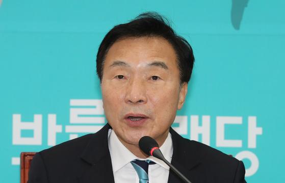 바른미래당 손학규 대표가 15일 오전 국회에서 열린 최고위원회의에서 발언하고 있다. [연합뉴스]