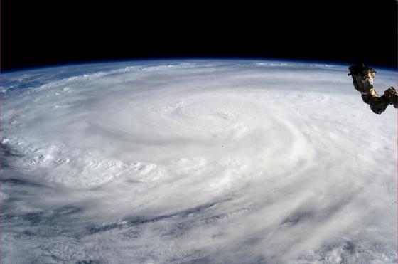 올해 한반도에 7개의 태풍이 영향을 미칠 정도로 기후가 빠르게 바뀌고 있다. 기후변화로 기온이 상승하면서 여름철이 가장 긴 계절로 바뀌기도 했다. [중앙포토]