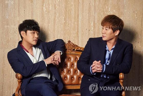 보컬 듀오 바이브. 류재현(왼쪽)과 윤민수. [연합뉴스]