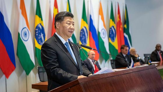 시진핑 중국 국가주석은 지난 14일 폐막한 브릭스 정상회의 기간 미국을 겨냥한 작심 비난 발언을 서슴지 않았다. [중국 신화망 캡처]