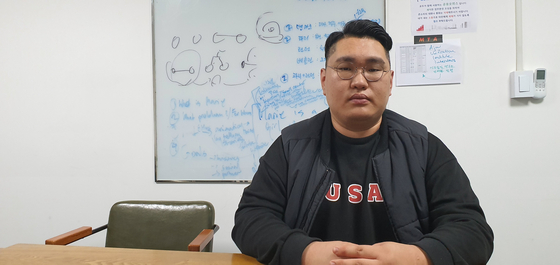 북한이탈주민 전영재(22)씨는 아산상회 창업팀 두곳에서 개발자로 활동하고 있다. 박민제 기자