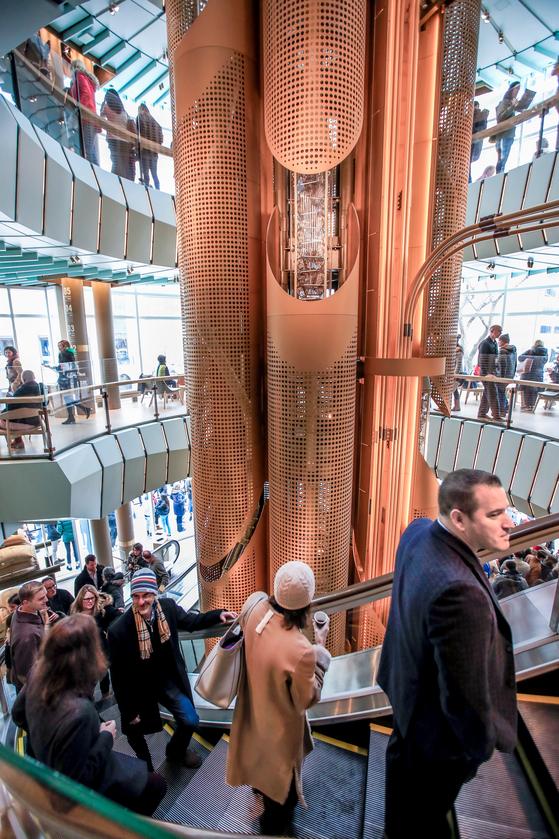 세계서 가장 큰 스타벅스 시카고 오픈