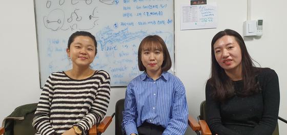아산상회에서 창업을 준비 중인 위시스쿨팀 참가자 박아영, 박영은, 김영란씨. 박민제 기자