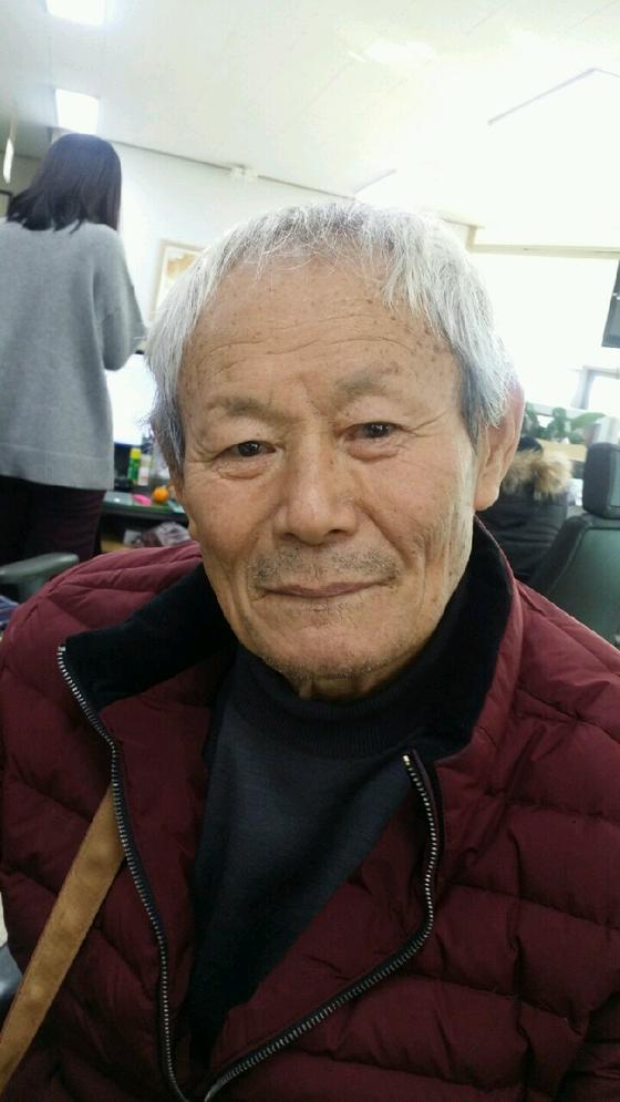 """""""내가 죽으면 가진 것의 일부라도 꼭 어려운 이웃에게 기부해 달라""""는 아내 고(故) 김복순(사망 당시 76세)씨 유언에 따라 2017년부터 3년째 해마다 기부를 해온 신숙진(81)씨. [사진 진안군]"""