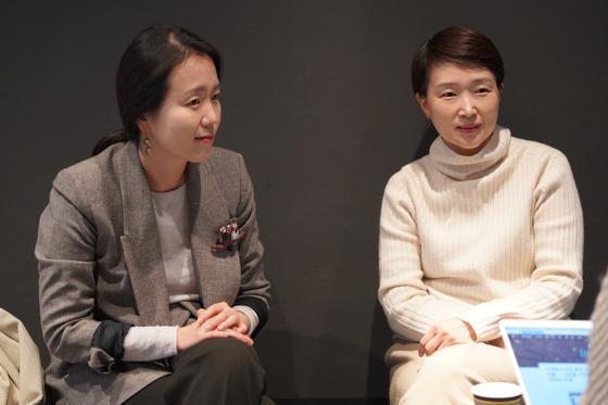 """유정은 마보 대표(왼쪽)와 최소현 퍼셉션 대표는 """"현대인이라면 누구나 마음을 들여다볼 여유가 필요하다""""고 말한다. 사진 김연지 폴인 마케터"""