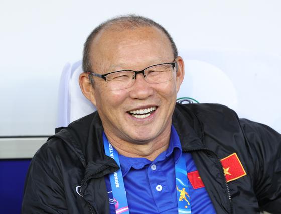 박항서 감독이 이끄는 베트남이 태국과 비기고 카타르월드컵 아시아지역 2차 예선 조 선두를 지켰다. [뉴스1]