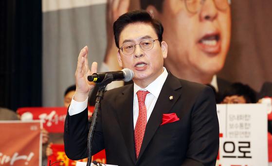 정우택 의원이 지난 1월 여의도 국회 헌정기념관에서 당대표 출마 기자회견을 하고 있다. [뉴시스]