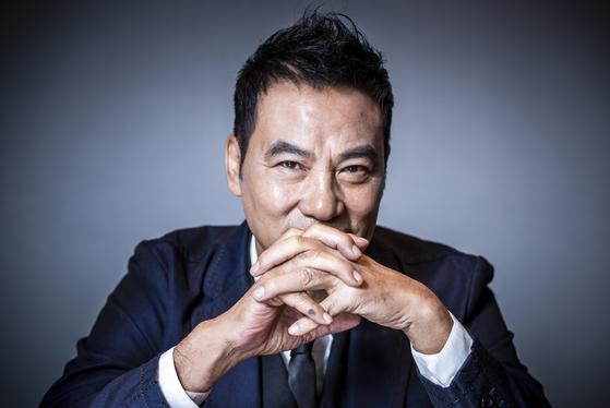 중국 배우 임달화(런다화)가 20일 노보텔 엠베서더 호텔 강남에서 포즈를 취하고 있다. 권혁재 사진전문기자