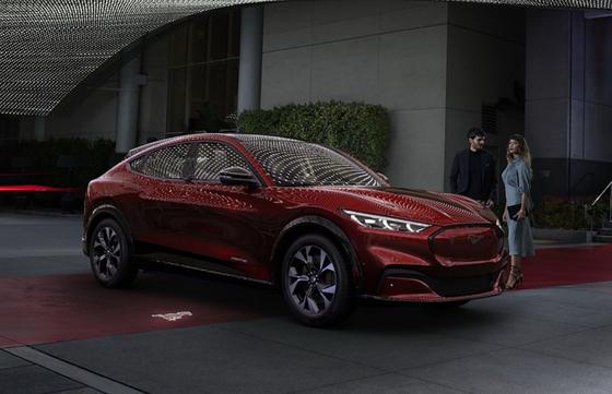 포드 자동차의 머스탱 기반의 전기차 SUV '머스탱 매치(Mustang Mach)-E'[사진 포드 자동차]