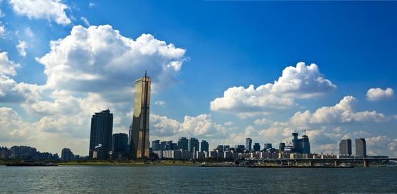 서울 주요 오피스빌딩을 기초로 하는 'NH프라임리츠' 일반공모가 317 대 1이라는 최고의 경쟁률로 마감했다. 서울·수도권의 아파트 청약 경쟁률 저리 가라 할 정도다. [사진 pxhere]