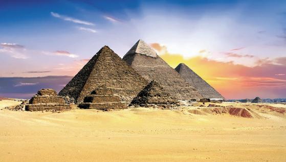 KRT는 합리적 가격으로 편안하게 유럽을 여행할 수 있는 상품을 선보이고 있다. 사진은 이집트의 피라미드. [사진 KRT]