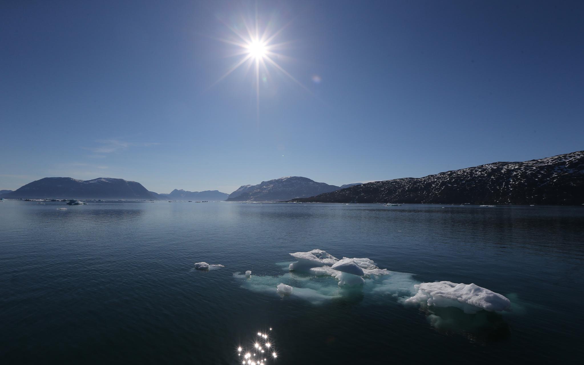 그린란드 누크 부근 피요르드. 온난화로 빙하와 바다 얼음이 녹아내리고 있다. [중앙포토]
