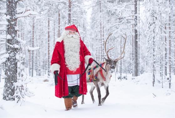 핀란드 산타마을(로바니에미)에서 방한하는 '핀란드 인증' 산타클로스가 국내 백화점을 찾는다. [사진 롯데쇼핑]
