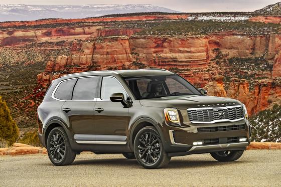 기아자동차의 대형 SUV 텔루라이드가 미국 평가기과에서 연이어 호평받고 있다. [사진 기아자동차]