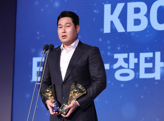 프로야구 2019 신한은행 마이카 KBO 시상식에서 MVP 투표 2위에 오른 NC 양의지. [뉴스1]