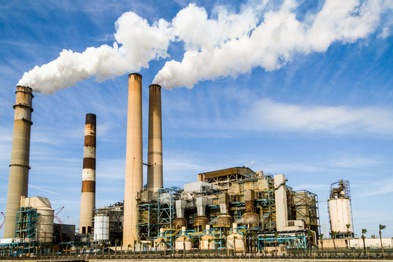 비도시 계획관리지역에 유해물질을 배출하는 공장 입주가 가능해진 상태에서 취락 지역에 공장이 난립하는 상황이 벌어지고 있다. [사진 pixabay]