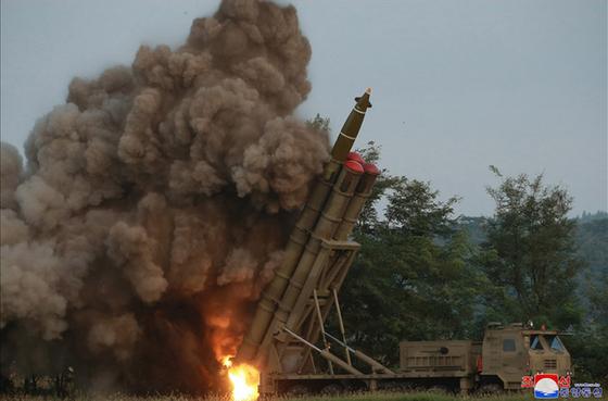 지난 9월 10일 시험 발사된 북한의 초대형 방사포. [연합뉴스]