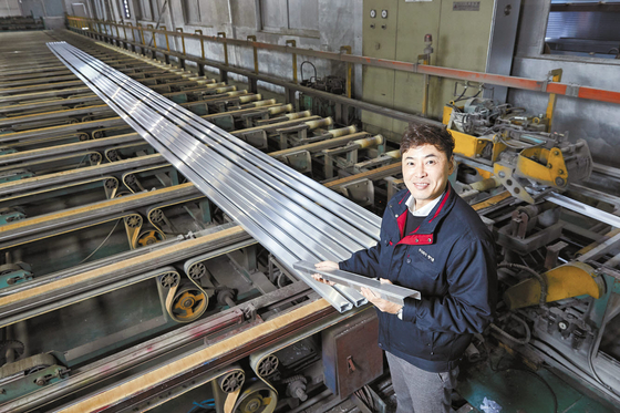 김현조 레이툰 대표는 지난해 가천대 창업지원단의 '창업선도대학 창업아이템 사업화'를 통해 벤처 창업에 성공했다. 레이툰은 고용인원 23명에 올해 매출액 100억원을 달성했다. 프리랜서 조인기