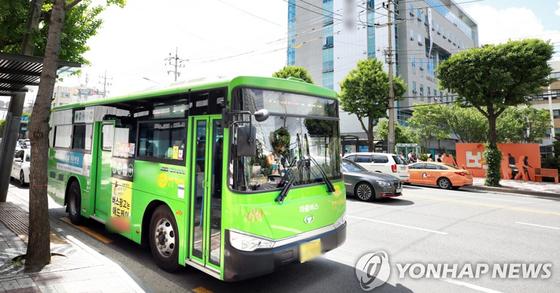 서울시 마을버스. [연합뉴스]