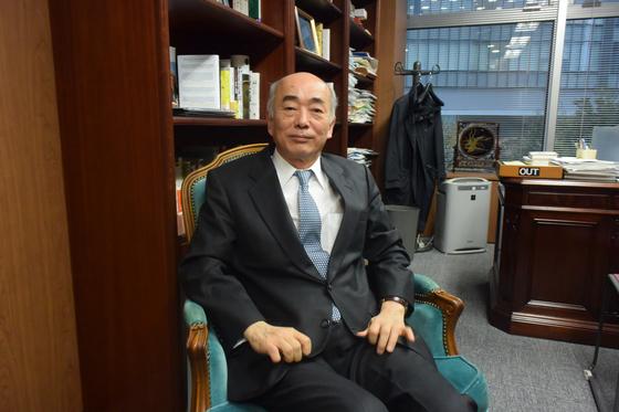사사에 겐이치로 일본국제문제연구소 이사장이 지난달 27일 중앙일보와 인터뷰를 하고 있다. 윤설영 특파원