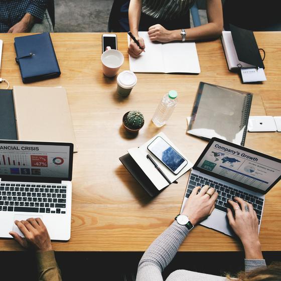 A사는 최근 신규 사업 런칭을 위해 TF 팀을 만들고 IT 관련 분야 경력자들을 대거 채용했다. TF팀이 생긴 지 수개월이 지나면서 신사업이 성공할 거라는 믿음보다는 의심이 더 커지고 있다. [사진 pxhere]